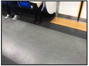 電車内画像